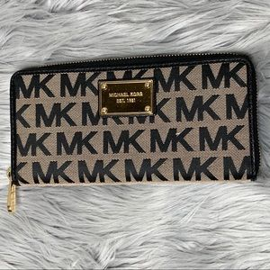 Michael Kors Black Tan Logo Zip Around Wallet